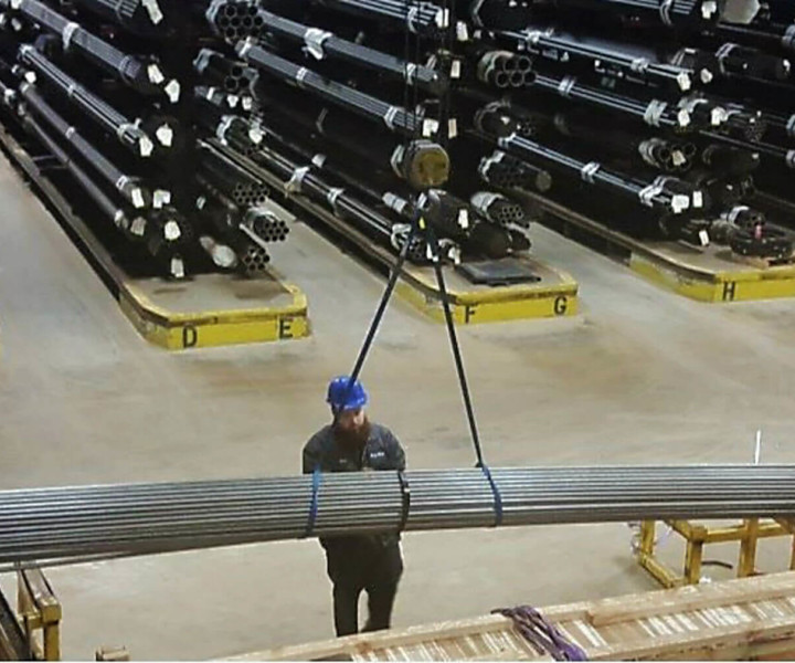 Hydraulic Tube Supplier loading tubing for shipment in Chicago